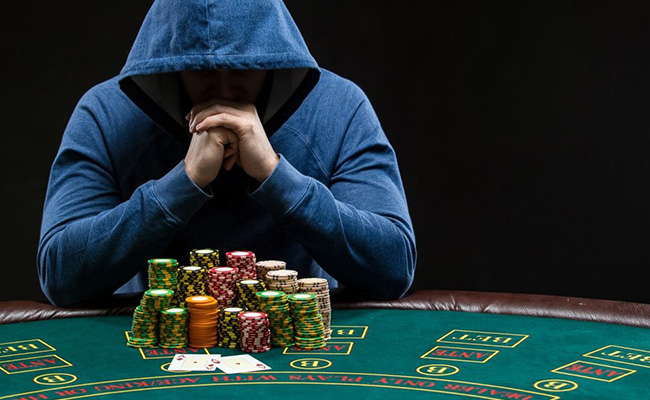 The speciality of the poker standard with the online games